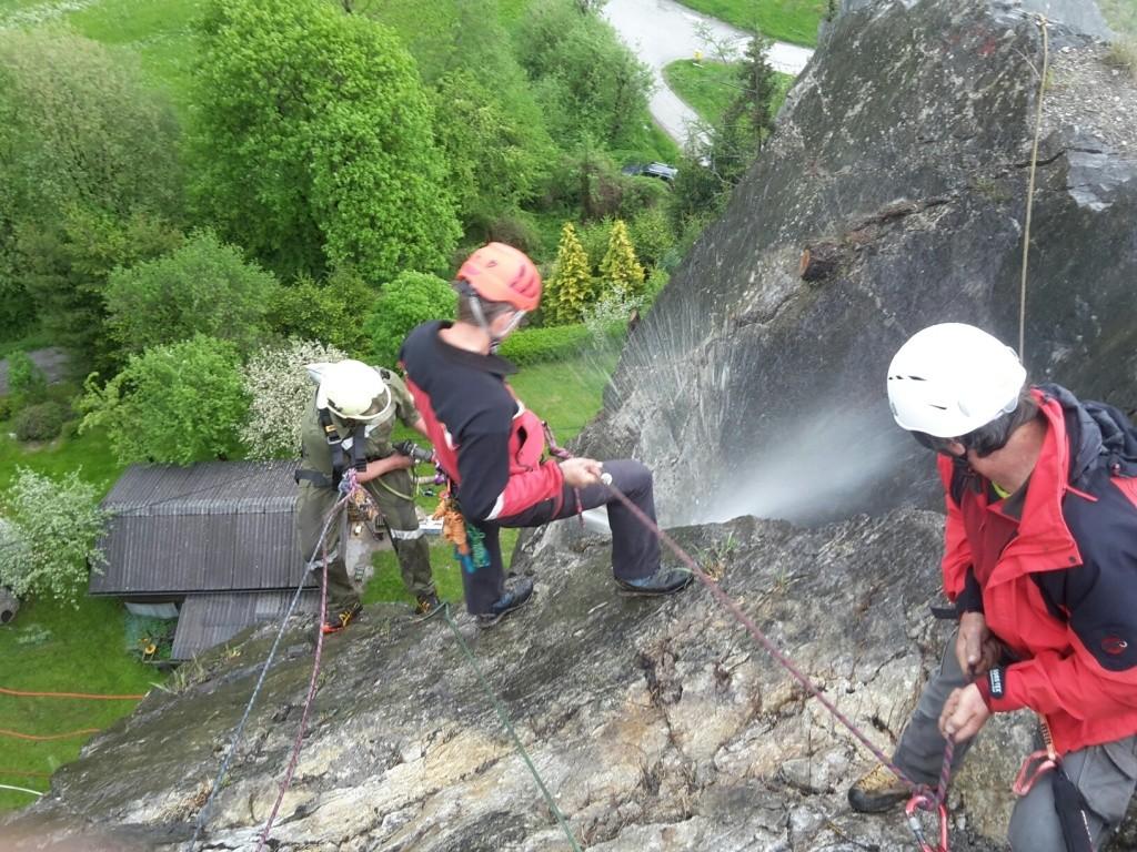 Klettersteig Burg : Klettersteigreinigung freiwillige feuerwehr rottenmann