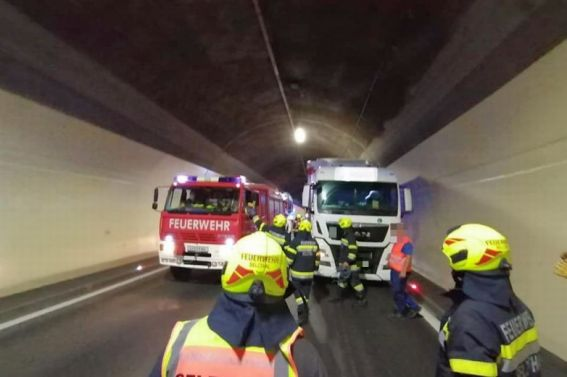 LKW Brand im Selzthaltunnel am 11.05.2021